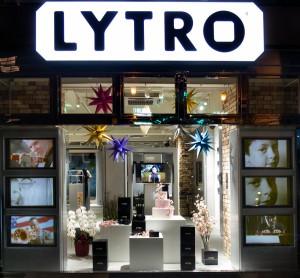 sDock wallmount in Lytro store 0292